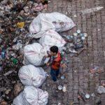 Montagne de déchets plastiques